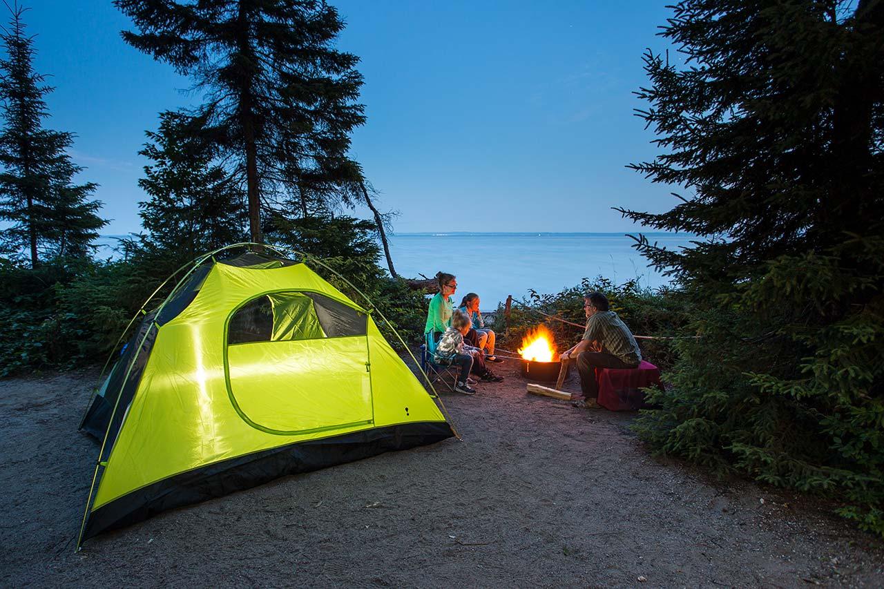 Partir en camping pour les prochaines vacances : les questions de sécurité