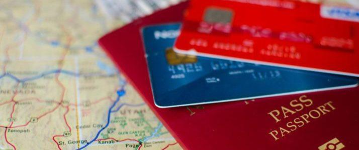 Carte bancaire et assurance voyage, que devez-vous savoir ?