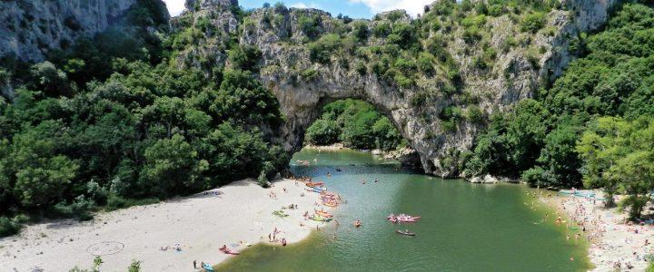 Vacances camping en Ardèche : qu'en est-il des restaurants?